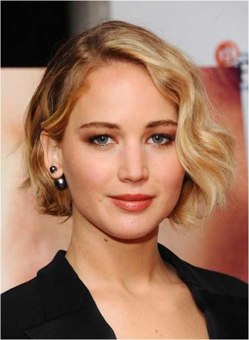 Short hairstyles for ladies with round face 2019 -2