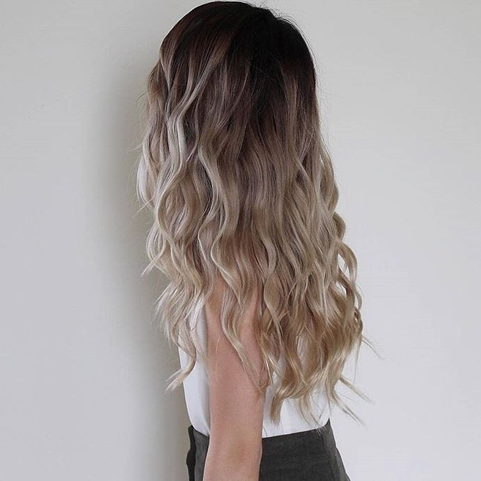 shorthairstyles for ladies with wavy hair 2019-16