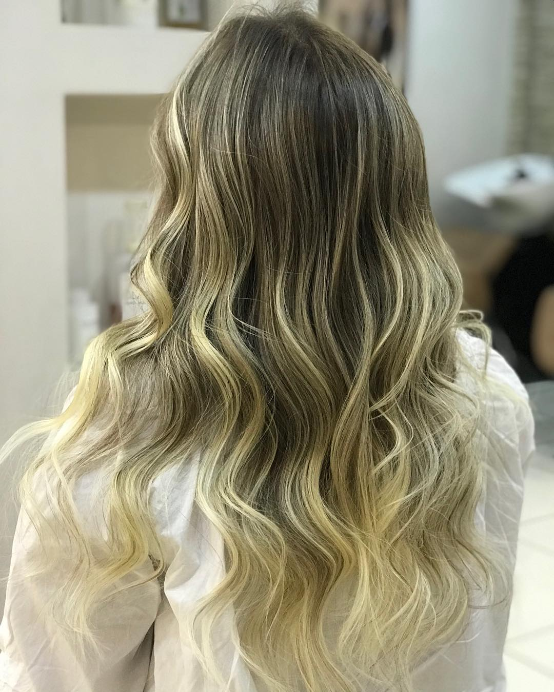 shorthairstyles for ladies with wavy hair 2019-20