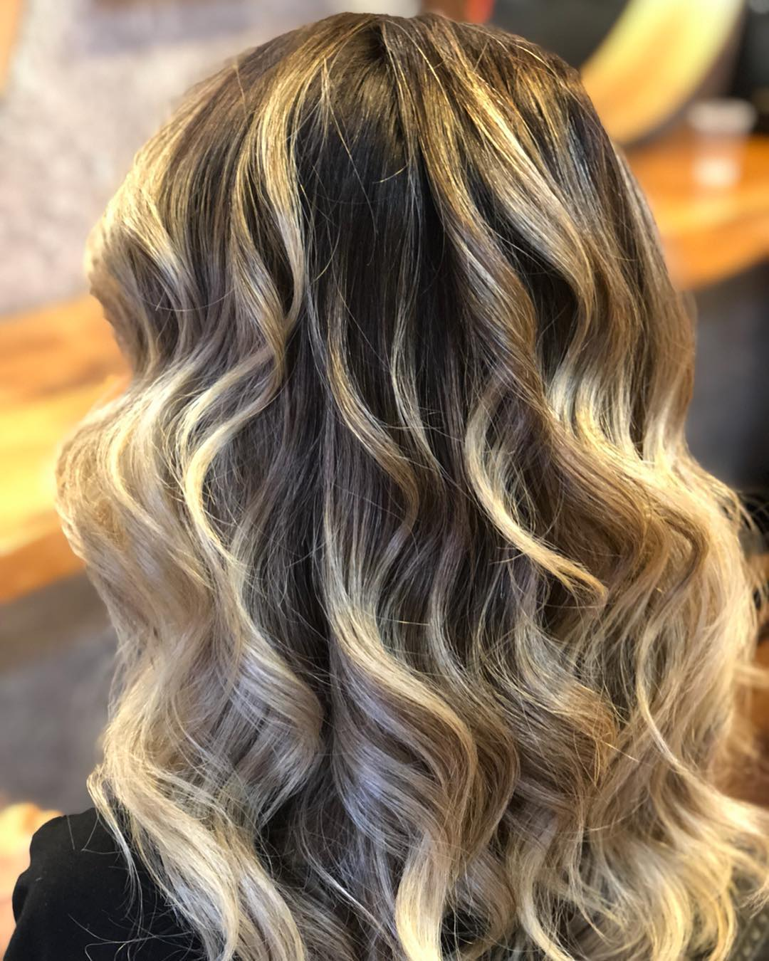 shorthairstyles for ladies with wavy hair 2019-23