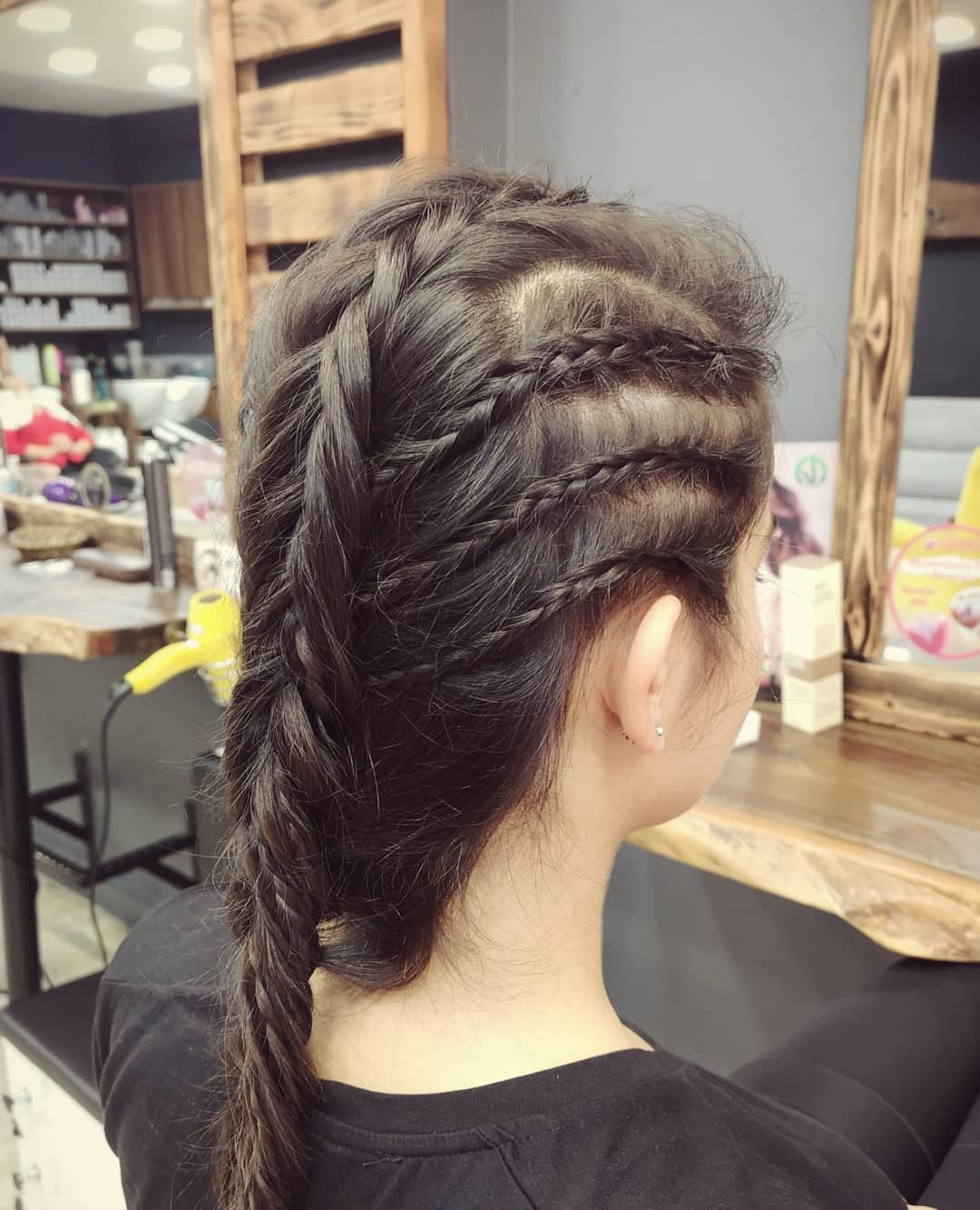 2020 Side Braiding Hairstyle (1)